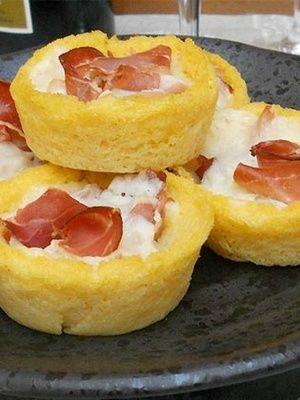 Antipasti de polenta, speck et provolone