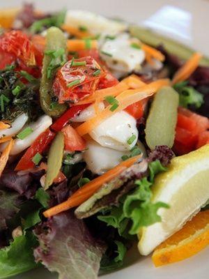 Salade aux tomates cerise séchées et poivrons